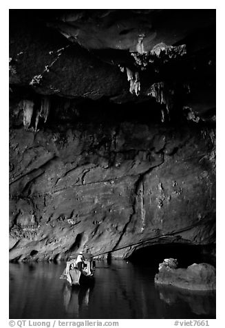 Boat and tunnel, Phong Nha Cave. Vietnam (black and white)