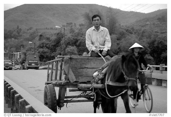 Horse carriage, Cao Bang. Northeast Vietnam (black and white)
