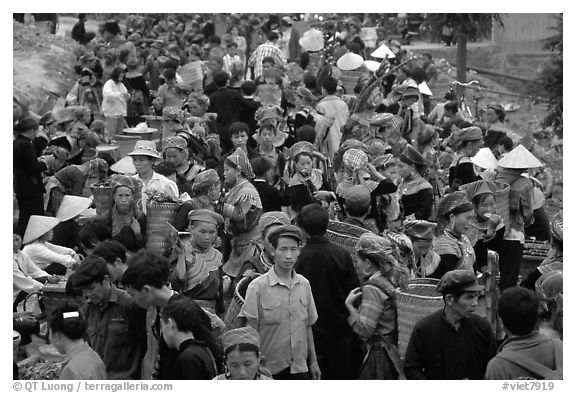 Crowded market. Bac Ha, Vietnam (black and white)