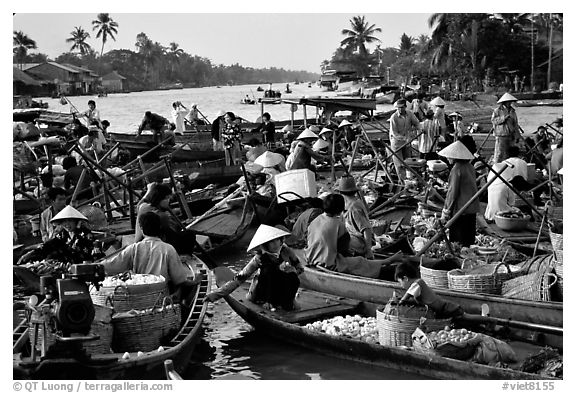Floating market at Phung Hiep. Can Tho, Vietnam (black and white)