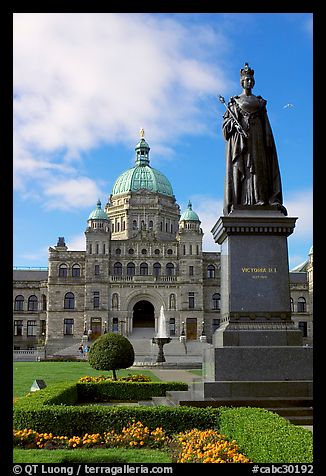 Picture/Photo: Queen Victoria and parliament building ... | 326 x 476 jpeg 40kB