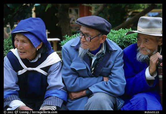 Elder Naxi people. Lijiang, Yunnan, China (color)