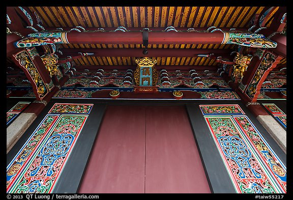Looking up door of Lingxing gate, Confuscius Temple. Taipei, Taiwan (color)