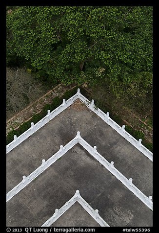 Corner of terraces seen from above, Tsen Pagoda. Sun Moon Lake, Taiwan (color)