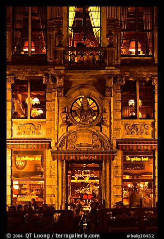 La Chaloupe d'or tavern, former tailors guild house, Grand Place, night. Brussels, Belgium (color)