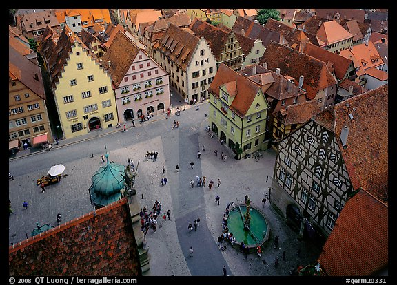 Marktplatz seen from the Rathaus tower. Germany (color)
