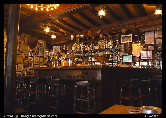 picture photo inside a bar saint malo brittany france