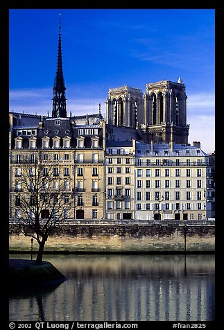 Saint-Louis island and Notre Dame. Paris, France (color)