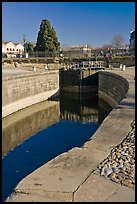 Lock and brige, Canal du Midi. Carcassonne, France