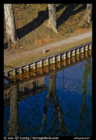 Footpath and reflections, Canal du Midi. Carcassonne, France (color)
