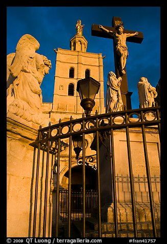Cross in front of Notre-Dame-des-Doms Cathedral. Avignon, Provence, France (color)