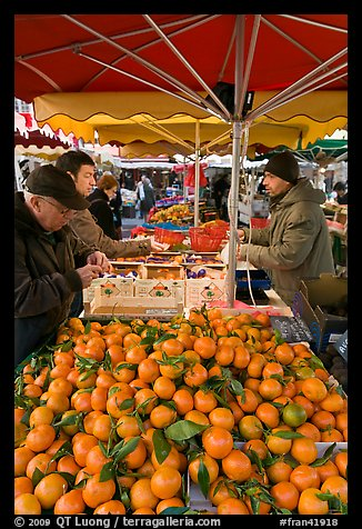 Fruit stall, place Richelme open-air market. Aix-en-Provence, France (color)