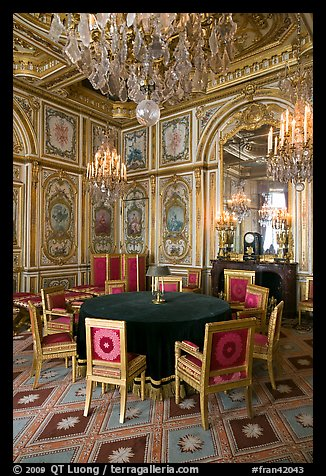 Picture Photo Room With Meeting Table Inside Chateau De