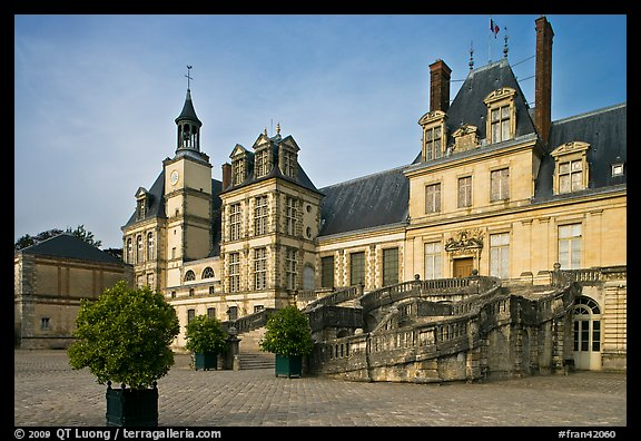 Horseshoe-shaped staircase, main courtyard, Fontainebleau Palace. France (color)