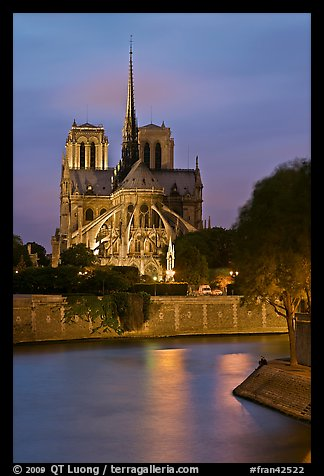 Banks of the Seine River and Notre Dame at twilight. Paris, France (color)