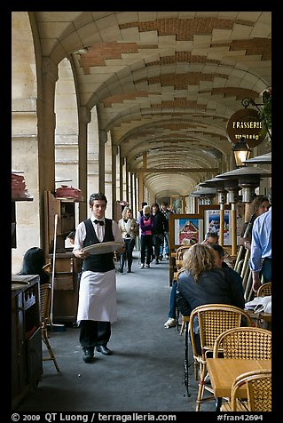 Arcades, place des Vosges. Paris, France