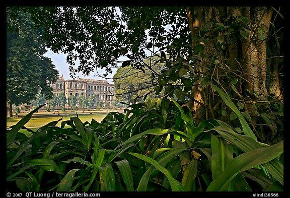 Gardens and colonial-area barracks, Red Fort. New Delhi, India (color)