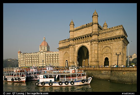 Gateway of India and Taj Mahal Palace, morning. Mumbai, Maharashtra, India