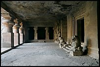 Mandapae, Elephanta caves. Mumbai, Maharashtra, India (color)