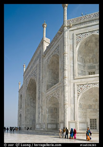 People strolling around main structure, Taj Mahal. Agra, Uttar Pradesh, India (color)