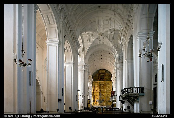 Se Cathedral interior in Corinthian style, Old Goa. Goa, India (color)