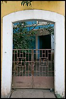 Gate, yard, and house, Panjim. Goa, India ( color)
