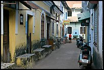 Alley, Panjim (Panaji). Goa, India (color)