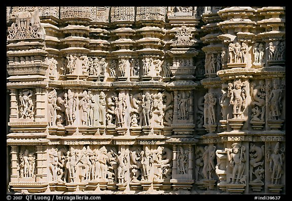 Sculptures on the outside of Kadariya-Mahadeva temple. Khajuraho, Madhya Pradesh, India (color)