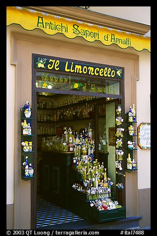 Store specializing in Lemoncelo, the local lemon-based liquor, Amalfi. Amalfi Coast, Campania, Italy (color)