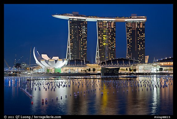 Picture photo marina bay sands and harbor at night singapore for Wallpaper home singapore