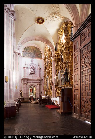 Side aisle of Church Santo Domingo. Zacatecas, Mexico (color)