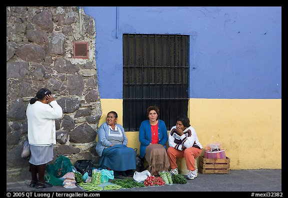 Women selling vegetables on the street. Guanajuato, Mexico (color)
