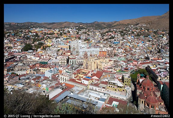 Historic city center with Church of San Diego, Basilic and  University. Guanajuato, Mexico (color)