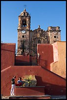 Girls in front of La Valenciana church, late afternoon. Guanajuato, Mexico (color)