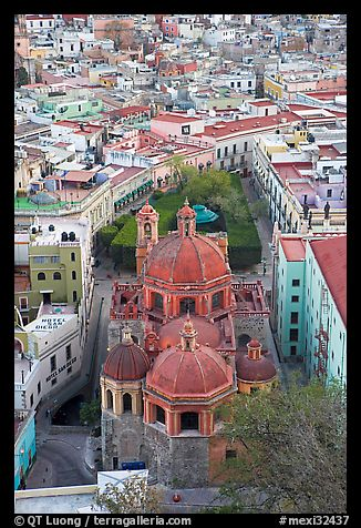 Church of San Diego and Jardin de la Union. Guanajuato, Mexico (color)