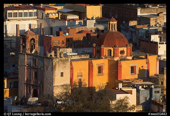 Church San Roque, early morning. Guanajuato, Mexico (color)