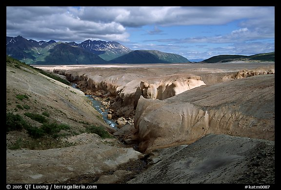 Lethe river, Valley of Ten Thousand smokes. Katmai National Park (color)