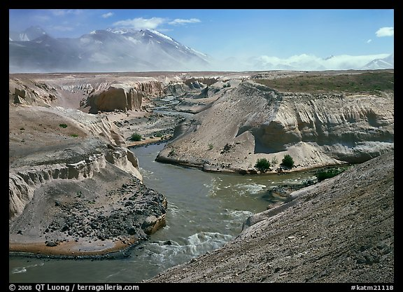 Convergence of the Lethe and Knife river, Valley of Ten Thousand smokes. Katmai National Park (color)
