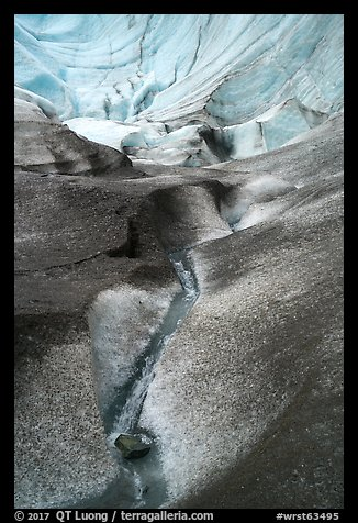 Sculptured bowl, Root Glacier. Wrangell-St Elias National Park (color)