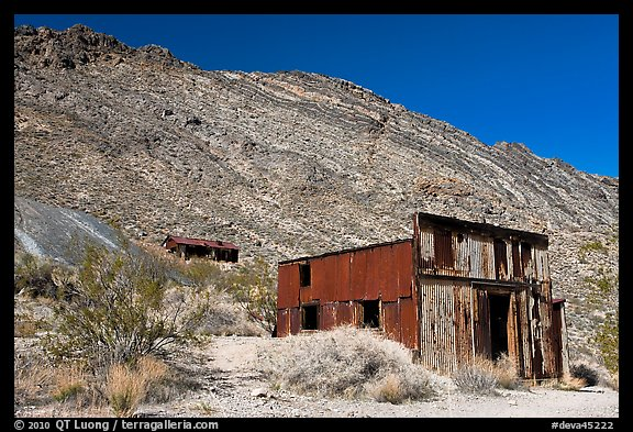Leadfield. Death Valley National Park (color)