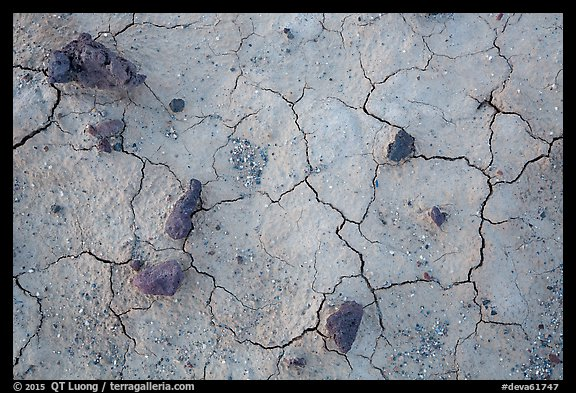 Close-up of volcanic stones and cracked mud, Panamint Valley. Death Valley National Park (color)
