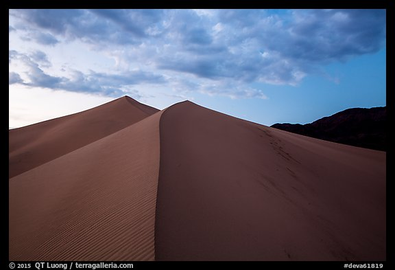 Dune ridges and mountains at sunset, Ibex Dunes. Death Valley National Park (color)
