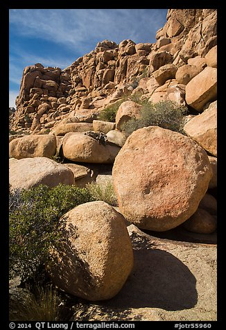 Jumble of rocks, Hidden Valley. Joshua Tree National Park (color)