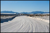 Unpaved road over sands. White Sands National Park ( color)