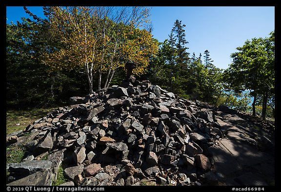 Pile of rocks marking summit of Bar Harbor Island. Acadia National Park (color)