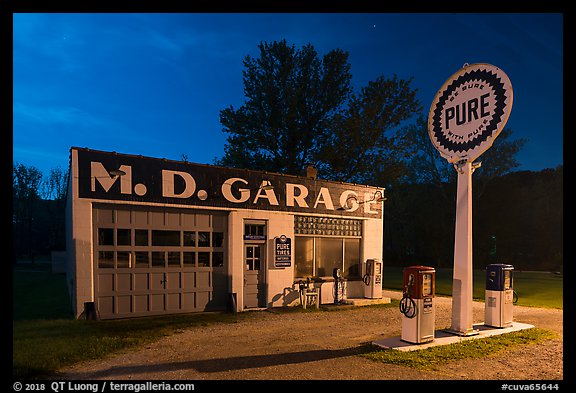 MD Garage at night. Cuyahoga Valley National Park (color)