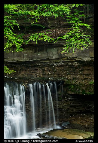 Water curtain and cliff, Great Falls, Bedford Reservation. Cuyahoga Valley National Park (color)