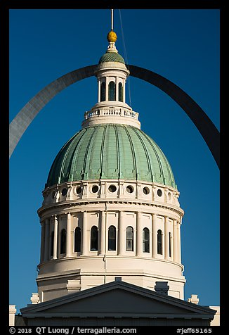 Historic Old Courthouse dome and Arch. Gateway Arch National Park (color)