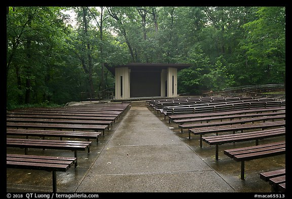 Main park amphitheater. Mammoth Cave National Park (color)