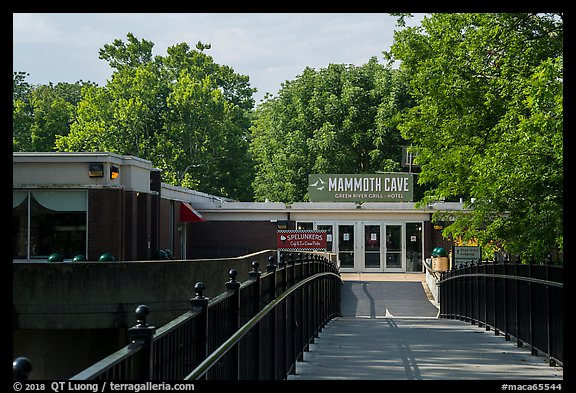 Mammoth Cave Hotel. Mammoth Cave National Park (color)